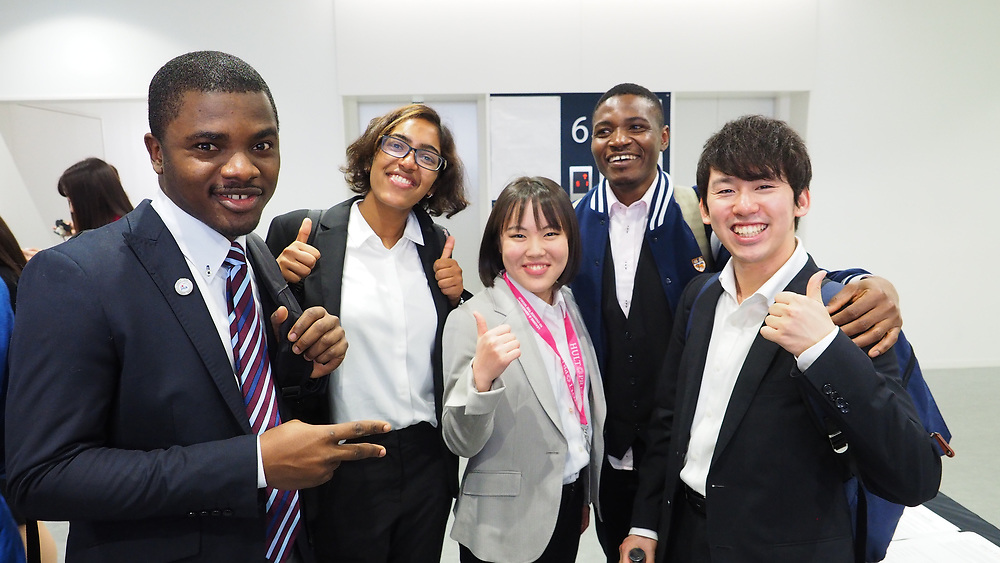 From the left: Kelvin Ikogba, Ranjani Rajapodja, Rina Tsuboi, Chukwu Ifeanyi, Hidenobu Nishikori. Photo by the Hult Prize.